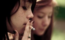 cigarette-fille_photo-de-valentin-ottone