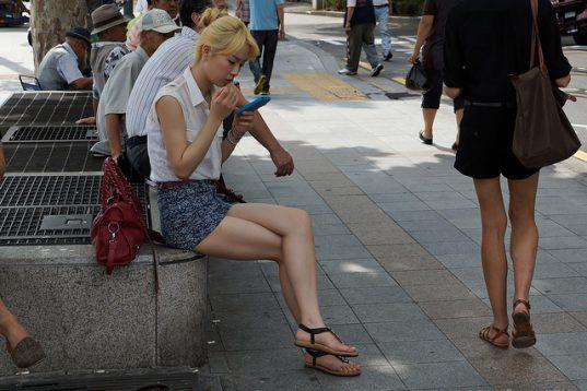2d233ce207bb2e Voir sous les jupes des filles, ce n'est pas beau, filmer c'est un délit
