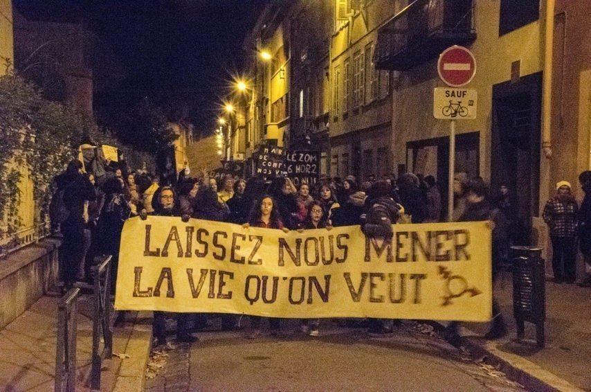 marche nocturne feminisme chargee police - Métropolitaine